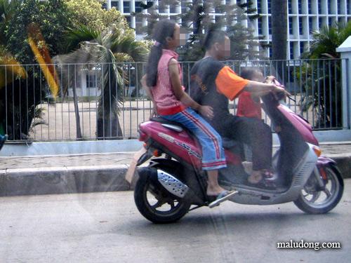 http://rizkibeo.files.wordpress.com/2008/09/maludong-131-jl-gn-sahari-011104.jpg